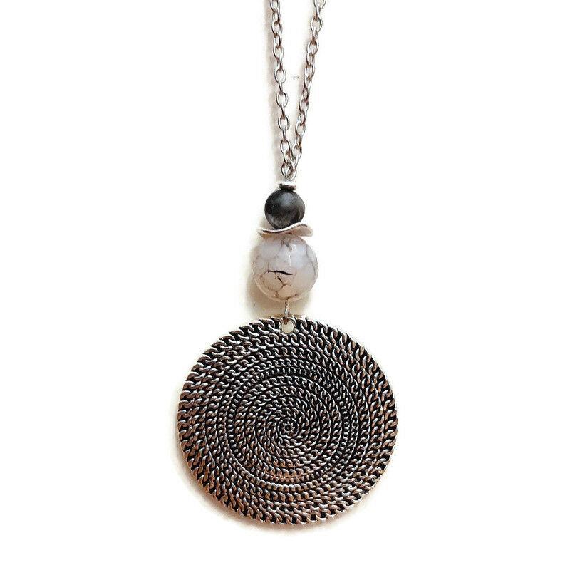 Sejtelmes izgalom: achát-lárvikit ásvány nyaklánc