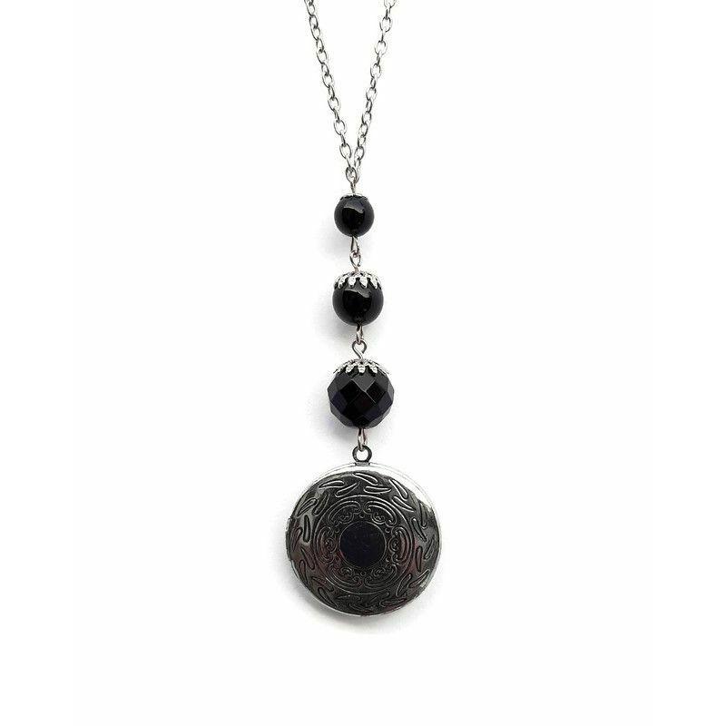 A klasszikus kisfekete: Onix ásvány nyaklánc fénykép őrző medalionnal