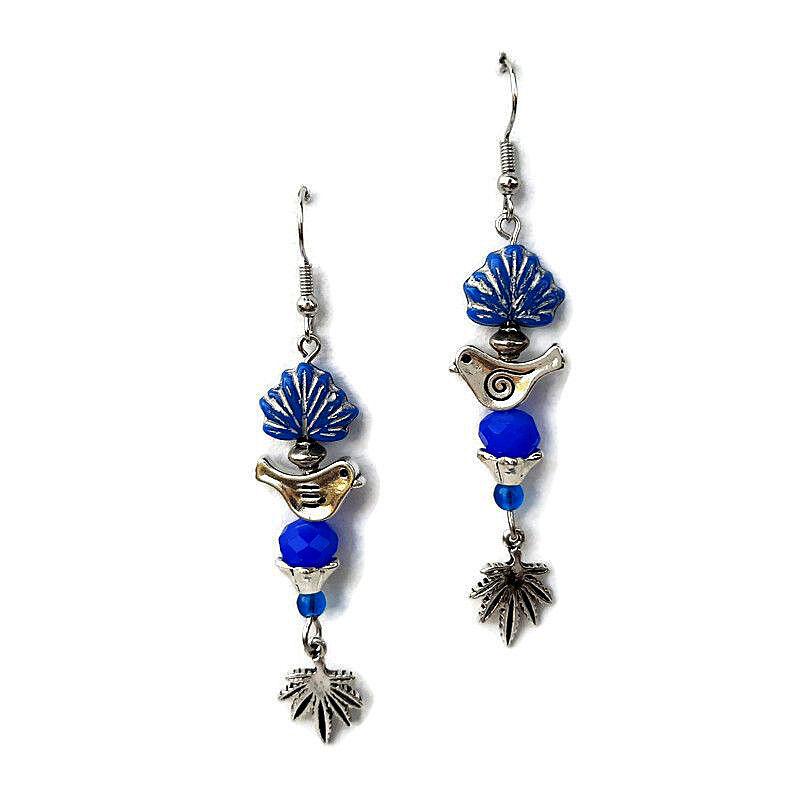 Gyöngy fülbevaló madárkával kék