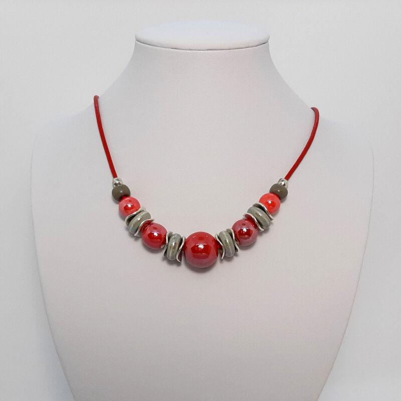 Rövid nyakláncok, amik kiemelik a szépséged: piros