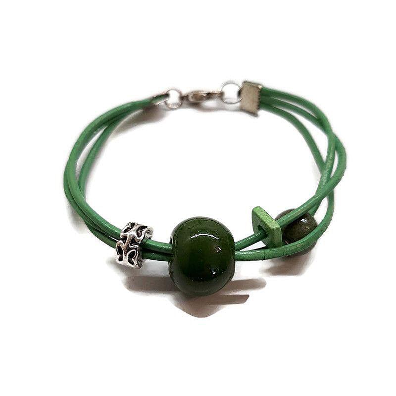 A hármas kerámia karkötő: Zöld